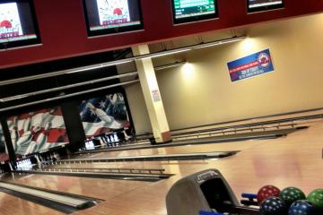 Brunswick Zone Camino Seco Bowl, Tucson 85710, AZ - Photo 2 of 2