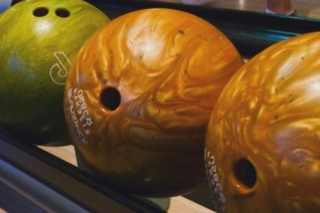 Oak Tree Lanes Bowling and Sports Bar