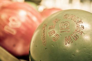 Melody Lanes Bowling Center