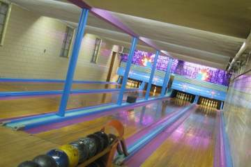 Big Apple Bowling & Fun Center At Whitestone Lanes