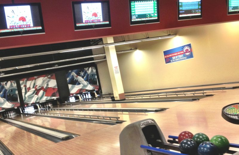 Forward Lanes [Bowling Center], Homestead - 5844 Forward Ave