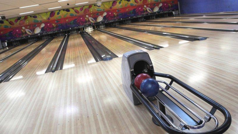 Three T's Bowling Lanes [Bowling Alley], Manitowoc - 2202